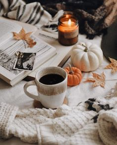 Tea, Coffee, and Books Cozy Aesthetic, Autumn Aesthetic, Christmas Aesthetic, Autumn Cozy, Autumn Trees, Autumn Leaves, Pumpkin Pictures, Fall Candles, Seasons Of The Year