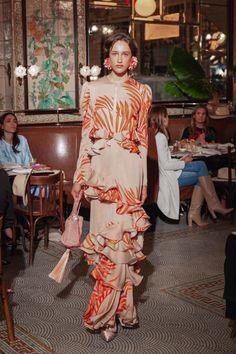 Johanna Ortiz Resort 2019 Fashion Show Collection: See the complete Johanna Ortiz Resort 2019 collection. Look 20 ✫♦๏༺✿༻☘‿SU Jun ‿❀🎄✫🍃🌹🍃🔷️❁`✿~⊱✿ღ~❥༺✿༻🌺♛༺ ♡⊰~♥⛩⚘☮️❋ Moda Fashion, Fashion Week, Runway Fashion, Fashion Show, Fashion Outfits, Womens Fashion, Photoshoot Fashion, Dubai Fashion, Dress Fashion
