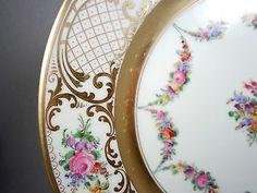 Large-antique-porcelain-hand-painted-plate-Ambrosius-Lamm-Dresden-c-1900-28cm