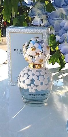 Perfume Scents, Perfume And Cologne, Best Perfume, Perfume Oils, Perfume Bottles, Marc Jacobs Daisy, Parfum Marc Jacobs, Parfum Chic, Daisy Perfume