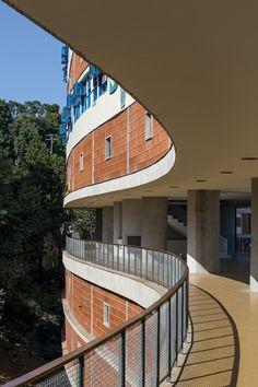 Conjunto Residencial Prefeito Mendes de Moraes (Pedregulho), projetado por Affonso Eduardo Reidy, no Rio de Janeiro.