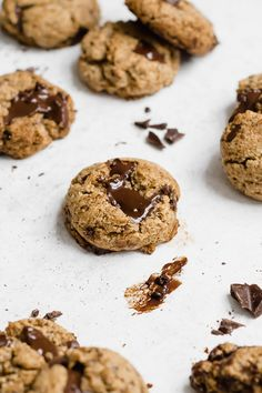 Paleo Almond Espresso Chocolate Chunk Cookies are everything you've ever wanted in a cookie! Soft-baked, flourless, grain free, Paleo, gluten free, and INCREDIBLY irresistible! Is there anything better than coffee, dark chocolate, and almond butter all melted inside a cookie?! #cookies #paleo #chocolatechunk #almondbutter #flourless #grainfree #dairyfree #espresso #coffeecookies #healthycookies Espresso Cookies Recipe, Paleo Cookie Recipe, Coffee Cookies, Paleo Cookies, Fun Baking Recipes, Sweet Recipes, Dessert Recipes, Healthy Recipes, Desserts