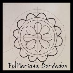 Fb|Mariana Bordados Mexican Embroidery, Beaded Embroidery, Cross Stitch Embroidery, Embroidery Patterns, Stitch Patterns, Crochet Patterns, Circular Pattern, Mandala Pattern, Mosaic Patterns