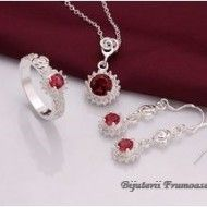 Recomand acest set de bijuterii placate cu argint marcat 925 Detalii: www.bijuteriifrumoase.ro