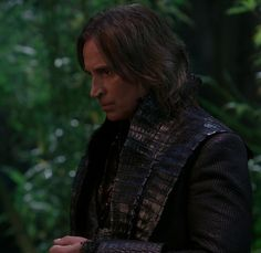 A Brooding Goldstiltskin