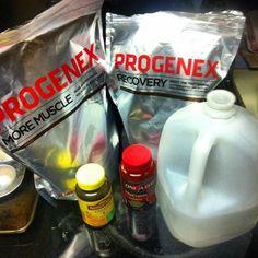 Otro suplemento muy utilizado es el Progenex Recovery, un aislado de proteínas de suero que ha sido hidrolizado mediante un método enzimático patentado que revierte la causa de la fatiga muscular a nivel celular.
