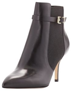 Michael Kors Woods Blac Boots. Get the must-have boots of this season! These Michael Kors Woods Blac Boots are a top 10 member favorite on Tradesy. Save on yours before they're sold out!