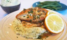 Chicken Piccata & Cauliflower Mash - leave out the wine to be AIP :) Real Food Recipes, Healthy Recipes, Paleo Meals, Healthy Dinners, Paleo Diet, Diet Recipes, Whole30 Recipes, Weeknight Dinners, Recipies