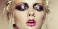 De crème-oogschaduw hoort weer helemaal thuis in de nieuwe lente looks. Door zijn prachtige kleuren en glinstering zijn deze crème-oogschaduws ideaal voor subtiel overdag of extreem voor een avondje uit.http://shop.emeralbeautylife.nl/cosmetica/product-categorie/ogen/oogschaduw/