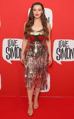 Fringe & Chrome from Fashion Police Katherine Langford, the 13 Reasons Why star attends the Love, Simon premiere in Sydney, Australia in a chic metallic, bronze and fringe dress. Celebrity Beauty, Celebrity Style, Clay And Hannah, Perth, Bronze Dress, Rock Outfits, Party Outfits, Stylish Girl Pic, Girl Photography Poses