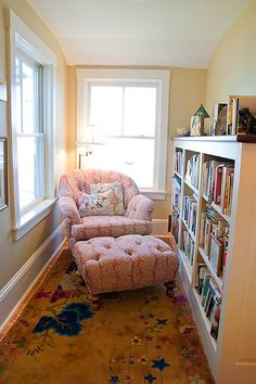 Perfect Reading Nook In Living Room Decoration Ideas - DIY Craft and Home Small Home Libraries, Small Library Rooms, Bookshelves For Small Spaces, Small Bookcase, Overstuffed Chairs, Book Nooks, Reading Nooks, Reading Areas, Cozy Reading Rooms