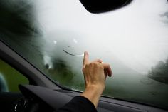 Tips From A Rocket Scientist On The Fastest Way To Defog Windshield. - http://www.lifebuzz.com/defog/