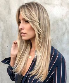 50 timeless ways to wear layered hair and overcome boredom . 50 timeless ways to wear layered hair and overcome boredom . Haircuts For Long Hair With Bangs, Hairdo For Long Hair, Long Face Hairstyles, Long Layered Haircuts, Hairstyles For Round Faces, 50s Hairstyles, Long Bangs, Curly Bangs, Medium Long Hair