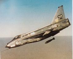 And here's something you really don't see everyday - a Lightning on a bombing run. From the Stuart-Paul RSAF history. pic.twitter.com/CSSIw0xnDe
