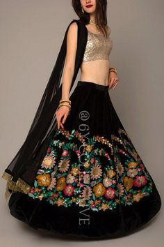 Looking for some wedding resort wear outfits on a budget? Check out these gorgeous Lehengas Resort Wedding that are perfect for a 2018 wedding. Lehnga Dress, Bridal Lehenga Choli, Lehenga Blouse, Choli Designs, Lehenga Designs, Indian Wedding Outfits, Indian Outfits, Dress Wedding, Indian Clothes