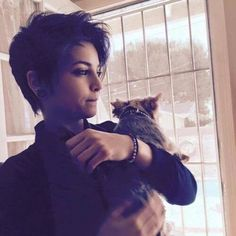 40 Best Pixie Hair 2018 – 2018 – Latest Hairstyles Are you up to date who are brave enough to decide change your hair style? Then, pixie hair cut is exactly what you need. Tomboy Hairstyles, 2015 Hairstyles, Pixie Hairstyles, Cool Hairstyles, Pixie Haircuts, Ftm Haircuts, Tomboy Haircut, Hairstyle Ideas, Hair Ideas