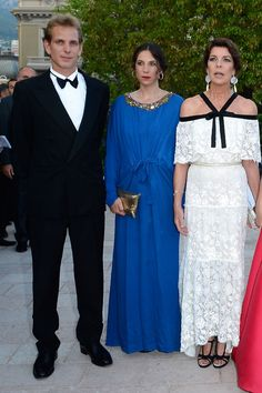 La prensa francesa apunta que la boda civil de Andrea Casiraghi y Tatiana Santo…