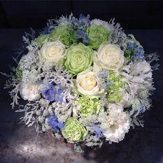 «言ってたら【なるはや】の注文きた #flower#flowers#florist#bouquet#flowerarrangement#rose#roses#carnation#lisianthus#delphinium#nerine#queenanneslace#dustymiller…»