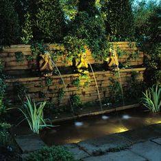 oświetlona fontanna ścienna