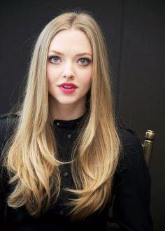 Amanda seyfried... Her hair is GORGEOUS!