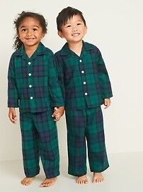 Matching family holiday pajamas is the trend of the year! We are sharing all our favorite matching family pajamas sets this year! Matching Family Holiday Pajamas, Family Pajama Sets, Family Pjs, Matching Pajamas, Button Up Pajamas, Plaid Pajamas, Pajama Bottoms, Pajama Top, Pajama Pants