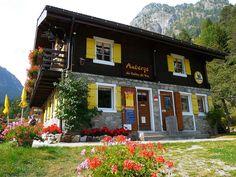 Suisse, l'Auberge de montagne du Vallon de Van