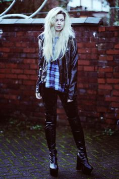 Kayla Hadlington looking awesome head to toe in Boohoo #fashion #style #bloggers #personalstyle #faux #leather #tartan #velvet