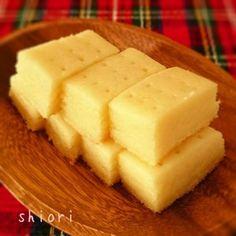 ☆ トースターでショートブレッド&Hair Cut♪。 by shioriさん | レシピブログ - 料理ブログのレシピ満載! トースターでショートブレッド♪。   大好きなショートブレッドにこ。  混ぜて休んでトースターでチン↑。  1口サイズ、食べきり量です!    ≪トースターでショートブレッド♪≫    ☆HM…60g...
