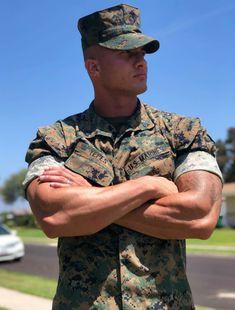 Uniform In Car : Photos Sexy Military Men, Army Men, Police, Ripped Body, Hot Cops, Hunks Men, Men In Uniform, Cop Uniform, Muscular Men