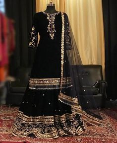 Pakistani Fashion Party Wear, Pakistani Wedding Outfits, Pakistani Dresses Casual, Pakistani Dress Design, Bridal Outfits, Shadi Dresses, Indian Gowns Dresses, Indian Fashion Dresses, Indian Designer Outfits
