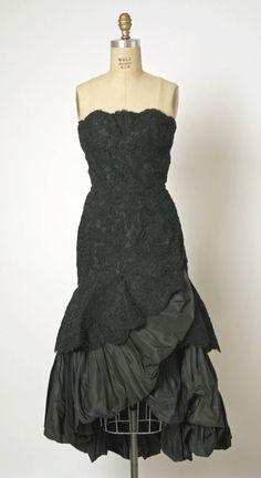 Balenciaga 1951 Dress. I'm in love.