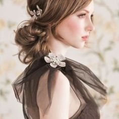 "Chignon, originally coming from the phrase ""chignon du cou"" in French, means ""nape of the neck"". Although it has variations in style, chignon is generally Holiday Hairstyles, Formal Hairstyles, Up Hairstyles, Pretty Hairstyles, Wedding Hairstyles, Hairstyle Ideas, Homecoming Hairstyles, Wedding Updo, Summer Hairstyles"
