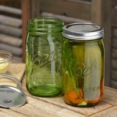 These vintage-inspired green pint jars maintain all modern Ball jar standards for quality and reliability. Perfect for all of your home canning needs...or as a collectible item! Limited edition, get them while supplies last! #heritagecollection
