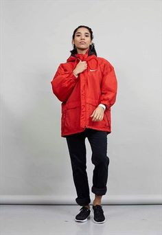 VINTAGE 80'S NIKE RED OVERSIZED HOODED PUFFER JACKET