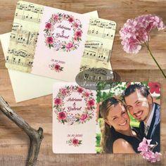 Invitatii de nunta cu poza mirilor drept element central sau varianta cu note muzicale
