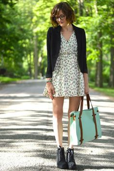 Camp Director Tote in Mint | Mod Retro Vintage Bags | ModCloth.com