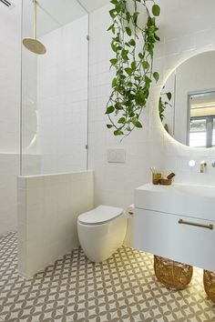 Bathroom decor for your master bathroom remodel. Discover bathroom organization, master bathroom decor tips, master bathroom tile tips, master bathroom paint colors, and more. Ensuite Bathrooms, Laundry In Bathroom, Bathroom Renos, Bathroom Renovations, Remodel Bathroom, Small Bathrooms, Bathroom Cleaning, White Bathroom, Bathrooms With Plants
