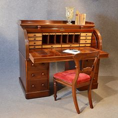 Vintage secretary desk - A vintage secretary desk is a type of furniture often than in houses offices, despite the name. Vintage Writing Desk, Writing Bureau, Writing Table, Law Office Decor, Home Office Design, Roll Top, Mirrored Bedroom Furniture, Campaign Furniture, Secretary Desks