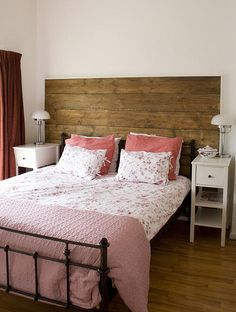 Headboard out of repurposed, upcycled wood - Bauernhaus - Diy Bed Headboard, Make Your Own Headboard, Headboards For Beds, Double Headboard, Headboard Ideas, Vintage Room, Bedroom Vintage, Wood Bedroom, Bedroom Decor