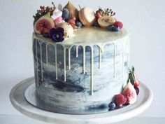 Try the latest wedding cake trend and order a drip cake