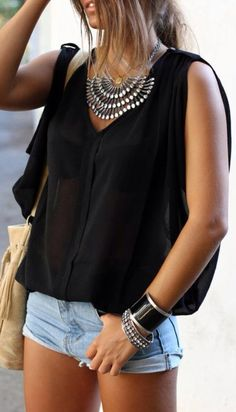 Latest fashion trends Street style Black sheer blouse, denim shorts and statement necklace Passion For Fashion, Love Fashion, Womens Fashion, Style Fashion, Only Shorts, Summer Outfits, Cute Outfits, Outfits 2014, Summer Shorts