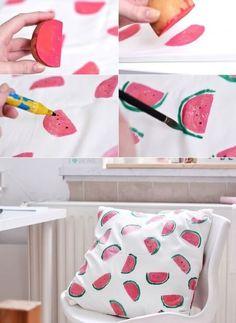 [ekiem]: [DIY] Melonen Kissen mit Kartoffeldruck DIY pillows This domain has been registered for a customer by nicsell Summer Crafts, Fun Crafts, Diy And Crafts, Recycled Crafts, Summer Deco, Diy Simple, Easy Diy, Cool Diy, Ideias Diy
