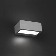 Aplique de exterior halógeno de dos salidas #lamparas #iluminacion #jardin #decoracion #interiorismo #verano interiorismo #apliques #focos #terrazas