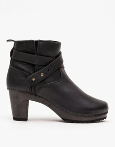 in my dreams i own these boots. ugh! Moto Boot @ Need Supply