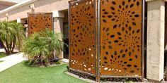 Pergolados e painéis personalizados de metal com acabamento em aço corten ou com pintura automotiva. Entre em contato.