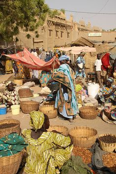 Djennes famous Monday Market - Mali, Africa