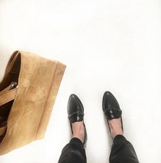 Leonora loafers in black leather.