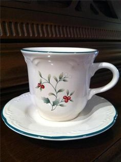 ~WINTERBERRY~by Pfaltzgraff (6) Cup & Saucer Sets Holly Red Berries ~EXCELLENT~