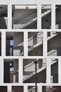 Plot 183 bernard khoury architects laubengang for Raumgestaltung innenarchitektur studium