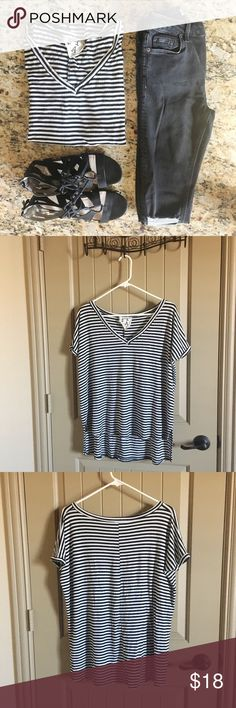 Striped Slouchy Tee Perfect flowy tee to wear with leggings, jeans or shorts! Excellent condition! Purchased from a boutique. Listed as free people for exposure. Free People Tops Tees - Short Sleeve